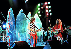 Spinal_Tap_on_Stage_1.jpg