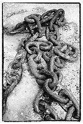 Small_Dockside_Chain_Poros_Kefalonia.jpg