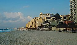 5215Cancun_Beach_at_Dawn.jpg
