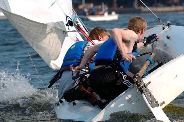 16477BHS_Sailing01