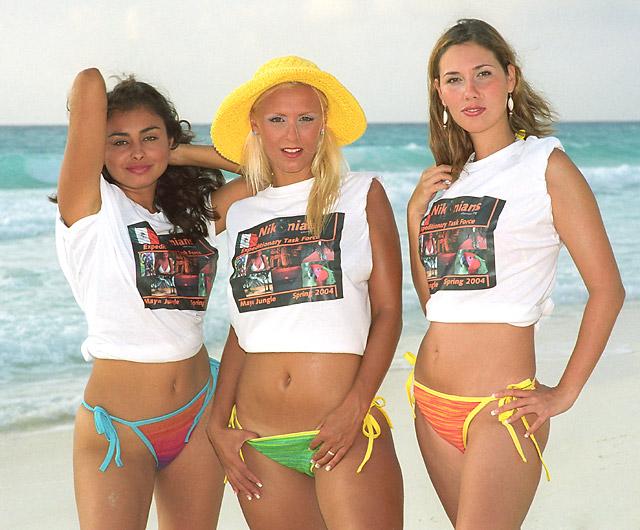 2models-3-1-2_t-shirts_d