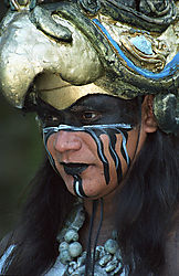 2quetzal_knight_closeup.jpg