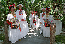 2dancers_group_2.jpg