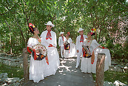 2dancers_group_5.jpg