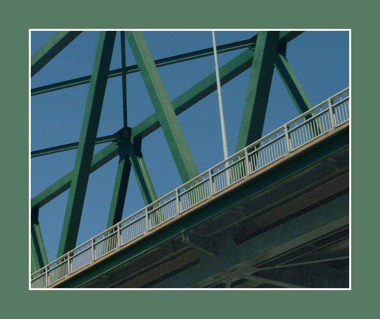 9823The_Green_Bridge