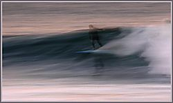 21906E-mail_Surfing_092104_Offshores4_179_copyaframed.jpg