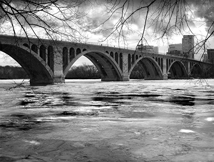 25997Frozen-River