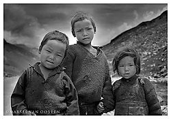 4302Girl_and_2_brothers_bw11.jpg
