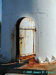 24481bull-head-lighthouse-door.jpg