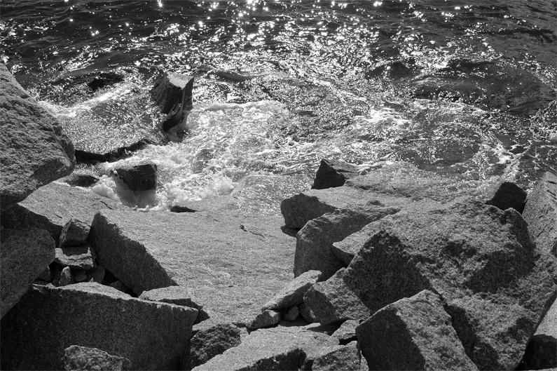 23808DSC1363_water_stone