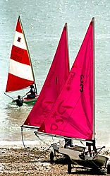 22605Red-sails.jpg