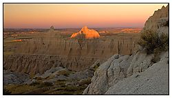 5736Badlands_Sun_UP_NET.jpg