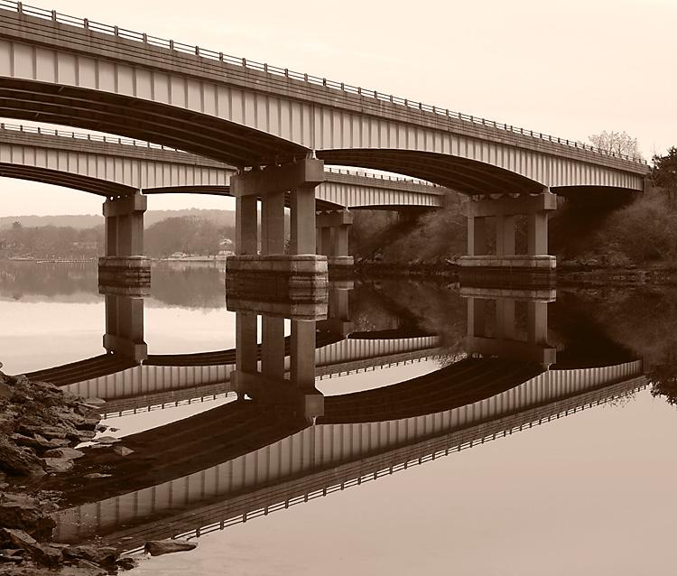 BridgeoverRiverCrop1_L_BW_1361