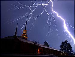 008-lightning.jpg