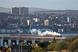 090357_45407_on_Tay_Bridge.jpg