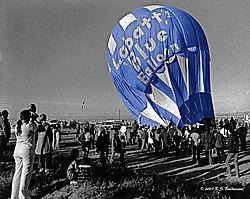 105057Labatt-Blue-Baloon-BWRGB.jpg
