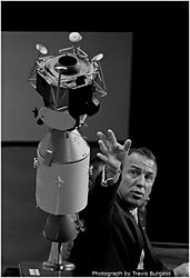 108335Astronaut_Press_Conference_Apollo_XIII.jpg
