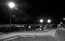 12464Punta-Arenas-nocturna.jpg
