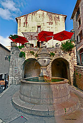 1850-Fountain-St-Paul-de-Vence-006_1-PPW-Blend.jpg