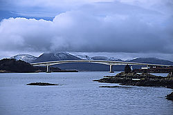 7397Skye_Bridge.jpg