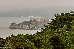 Alcatraz_from_Telegraph_Hill.jpg