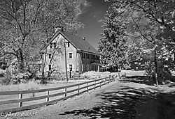 Beautiful_IR_Light_on_the_Farm-1.jpg