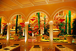 Bellagio_front_desk.jpg