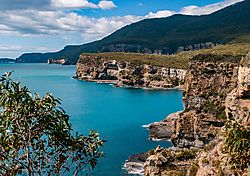 Blue_waters_of_Tasman_Peninsula-4336.jpg