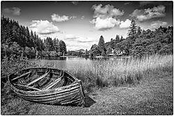 Boat_on_the_Loch_1_1_of_1_.JPG