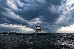 Brandywine_Shoal_Lighthouse-1.jpg