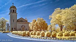 Chapel_at_St_Joseph_s_Villa_-_D90_IR-13.jpg