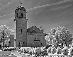 Chapel_at_St_Joseph_s_Villa_-_D90_IR-14.jpg
