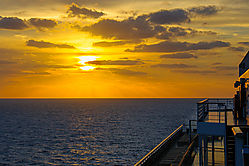 Cruise_Sunset_20121130_001.jpg