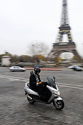 Cycle_with_Eiffel_Rebecca_Rothey_Novice.jpg