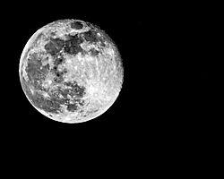 DSC4926_8x10_April_Moon_flatten.jpg