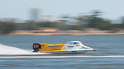 Deearnah_speed_boat_racer.jpg