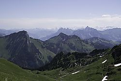 Eiger-Monch-Jungfrau_in_the_Distance.jpg
