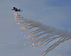 F-15_Flares1040.jpg