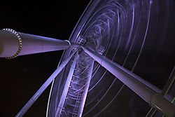 Ferris_Spinning_under.jpg
