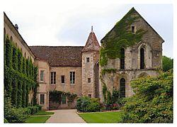 Fontenay_Abbey.JPG