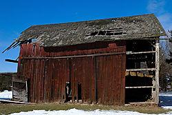 Front_Barn_1.jpg