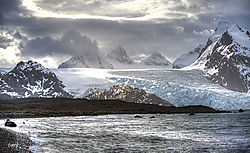 Glacier_of_Piggotty_Bluff3636_7_8_tonemapped.jpg