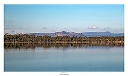 Grampians_amd_Lake-.jpg