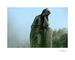 Graveyard_Statue.jpg