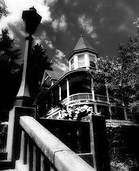 House_on_Hill.jpg