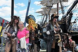 Jack_Sparrow_and_Crew7100.jpg