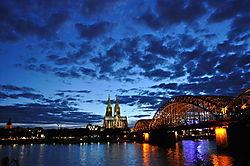 K_lner_Dom_und_Rhein.jpg