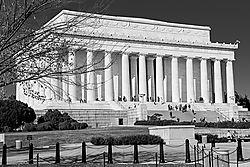 Lincoln_Memorial_20091108_001.jpg