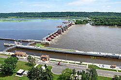 Lock-and-Dam-_11-below-Eagl.jpg