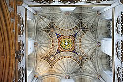 London_2012_118_-_Canterbury_-_Canterbury_Cathedral_-_Bell_Harry_Tower_Ceiling.jpg